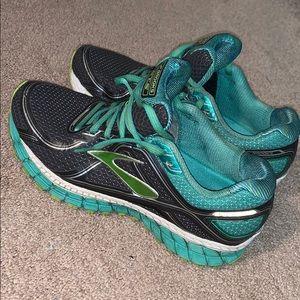brooks sneakers !